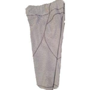 Zella Gray Striped Knee Length Capri Leggings